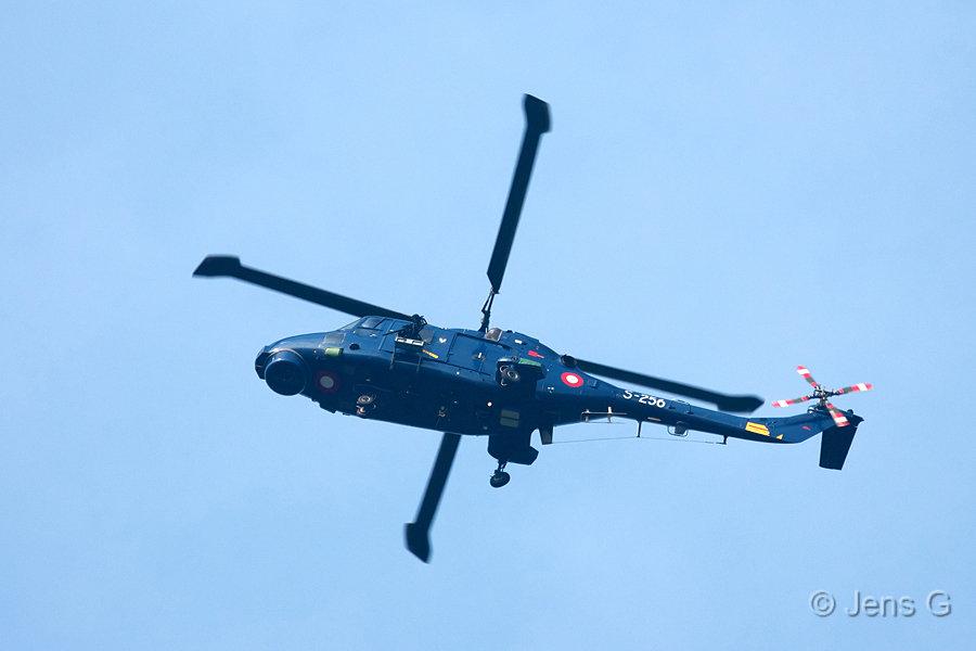 Lynx helikopter med maskingevær